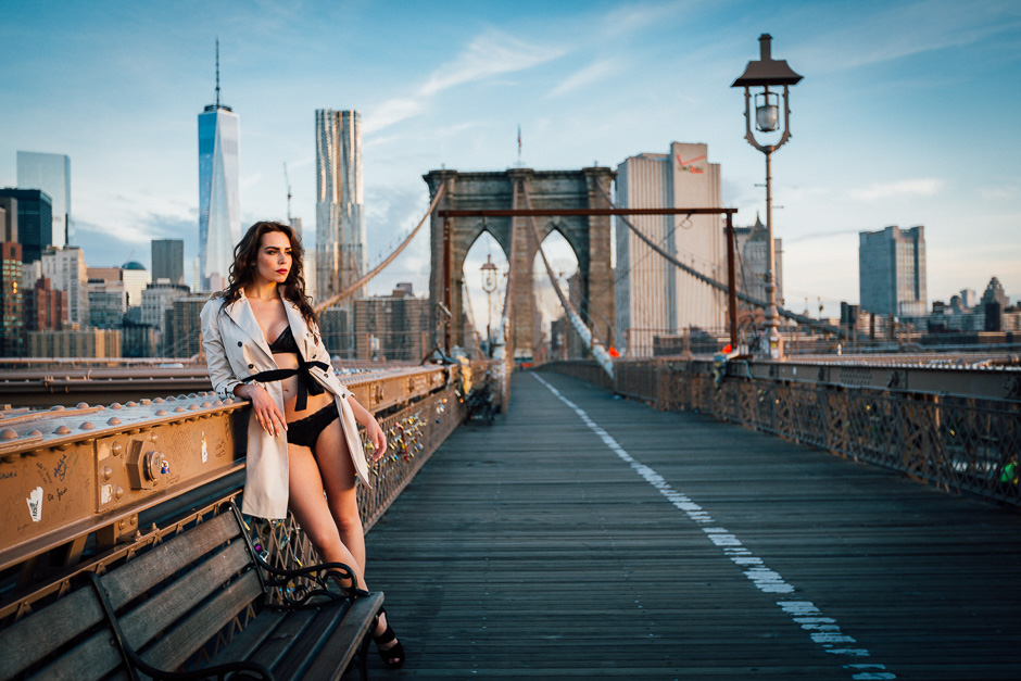 Akvile auf der Brooklyn Bridge beim Shooting
